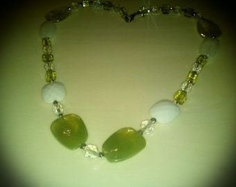 Light green and white beaded necklace and bracelet set/Green Jewelry Set