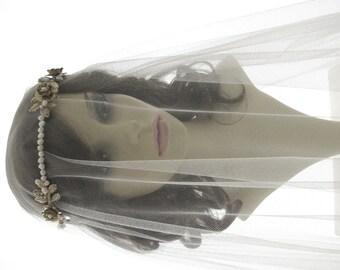 drop veil - wedding veil with vintage style headpiece - Lucrezia