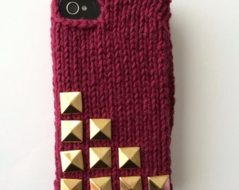 10 Stud - Knit iPhone sweater case with 10 gold pyramid studs