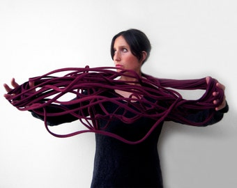 The noodle scarf - handmade in burgundy jersey fabric