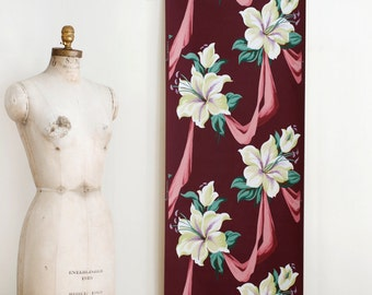 Vintage Floral Wallpaper Roll on Matte Purple Background - Mid Century