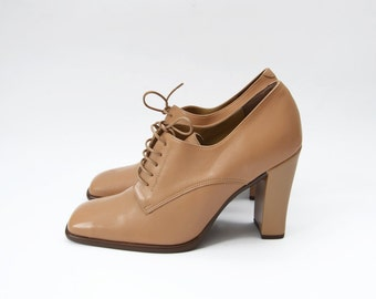 Vintage bamboo brown leather 90s lace up heels