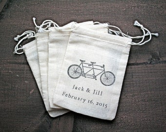 Wedding favor bags, set of 50 drawstring cotton bags. Tandem bike and custom names and date in black. Bridal shower, party favor bags.