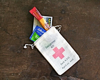 Personalized DIY Hangover Kit, first aid for wedding guests.  Wedding favor bags, muslin, 3x4.5. Set of 50.  Funny wedding favor.