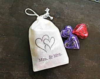 Wedding favor bags, set of 50. Mrs and Mrs with entwined hearts.  Lesbian, gay wedding. Hand stamped muslin drawstring favor bags.