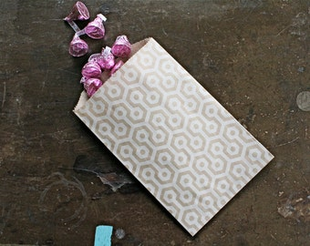 Kraft paper favor bags.  Set of 50.  Candy buffet, treat bags, goodie bags, party favors. Brown kraft paper with white honeycomb design.