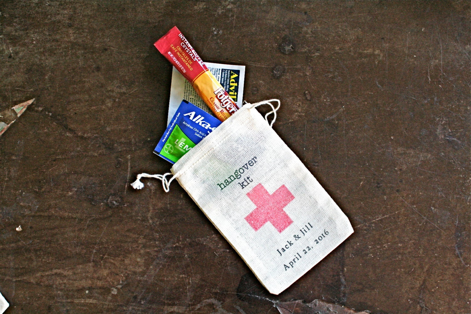 Personalised Wedding Gifts For Guests: Personalized DIY Hangover Kit First Aid For Wedding Guests