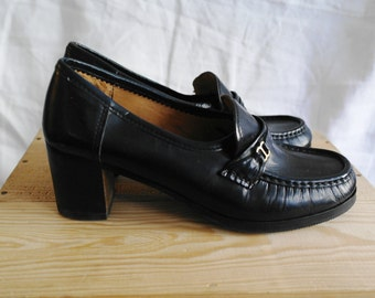 Vintage 70 navy blue loafers