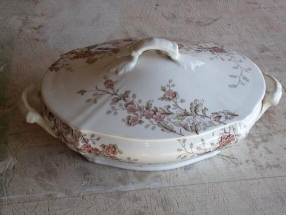 Vintage Alfred Meakin Covered Vegetable Or Casserole Dish Parisian Granite Washington Pattern 1880s