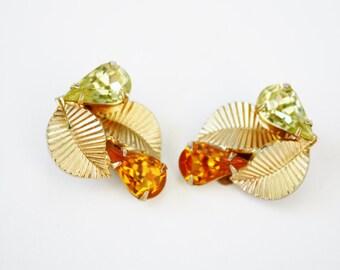 Coro Rhinestone Earrings Clip On Ridged Leaf Citrine Peridot Glass Teardrop Costume Jewelry