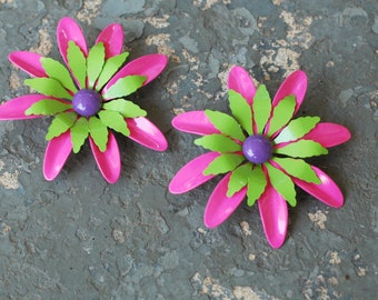 Neon Flower Earrings     Clip Ons     Vintage     1980s Retro     Colorful Summer Jewelry