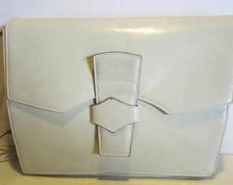 Adorable vintage Italian white calf skin leather evening bag, clutch.  Italy