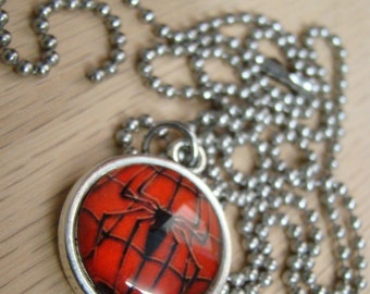 Spiderman - Super hero - Marvel Comics - Glass Pendant with Stainless Steel Ball Chain