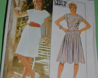 Style 3895 Misses and Womens Dress Sewing Pattern - UNCUT - Size 12