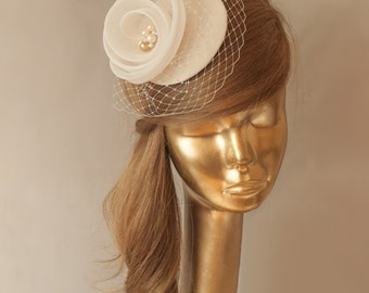 BRIDAL Champagne FASCINATOR with Ivory Veil . Wedding Mini Hat