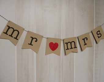 Mr & Mrs Banner . Wedding Banner . Wedding Photos . Wedding Photo Prop . Customized . Custom Color Choices