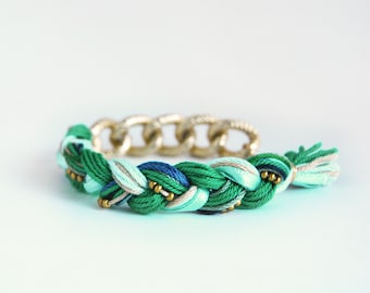 Emerald green bracelet with chunky chain, green braid bracelet, green boho bracelet, friendship bracelet