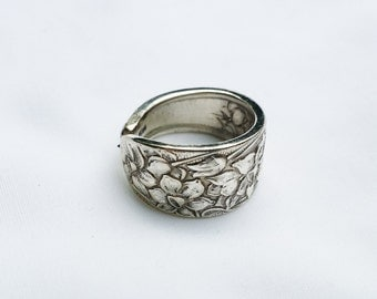 Beautiful Antique Silverplated Narcissus Spoon Ring,  SIZE 7