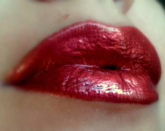 Nuria - Terracotta Red/Coppery Red lip gloss