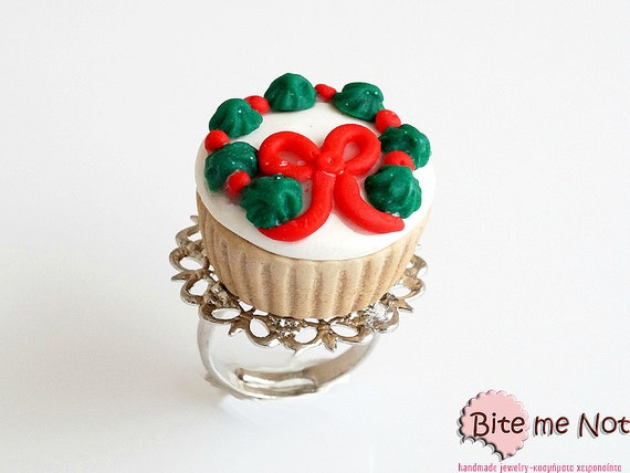 Cupcake with Christmas Wreath, Silver Plated Filigree Ring, Festive Ring, Christmas Jewelry, Christmas Wreath, Polymer Clay Jewelry
