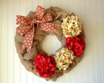 Christmas burlap wreath with hydrangeas. red wreath. wreath for christmas. burlap wreath. burlap door wreath.