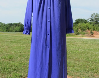 Vintage Purple Nightgown and Peignoir Set -Size Medium -Shadow Line -Excellent Condition -Full length Nightgown and Robe -Christmas Gift