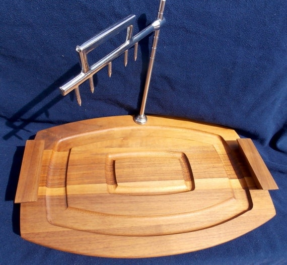 Vintage wood meat rack carving board with metal spikes holder