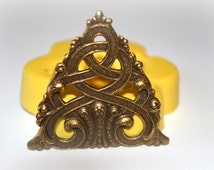 0379 Celtic Knot Medallion Triangle Silicone Rubber Flexible Food Safe Mold Mould- resin, clay, fondant, PMC, UTEE
