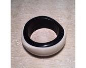 1990's Minimalist Graphic Black & White Bangle Bracelet