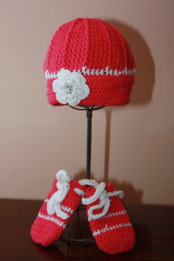 Pink and White Hat and Mitten Set (New Born to 3 Mon)