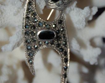 Vintage Sterling Silver Kitty Cat Feline Big Black Onyx Eyed Sassy Faced Marcasite Brooch