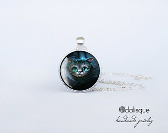 Chesire Cat Necklace Alice in Wonderland Pendant Keyring Birthday Gift 1 inch