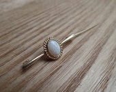 Perfect Little Opal 9 K Gold Bar Brooch