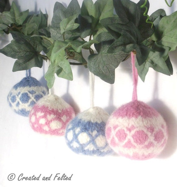 Knitting Pattern Christmas Baubles : Babys First Christmas Bauble knitting by ClaireFairallDesigns