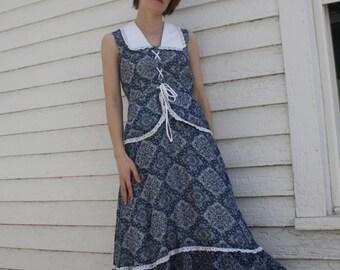 70s Blue Print Prairie Dress White Eyelet Country Summer Vintage 1970s XS S