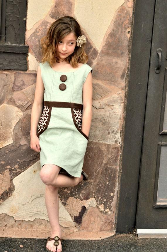 Vintage Apron Dress Sewing Pattern for Girls