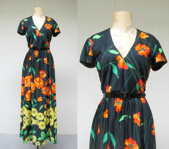 Vintage 1970s Dress / 70s Floral Maxi Dress Saks Fifth Avenue / Small - Medium