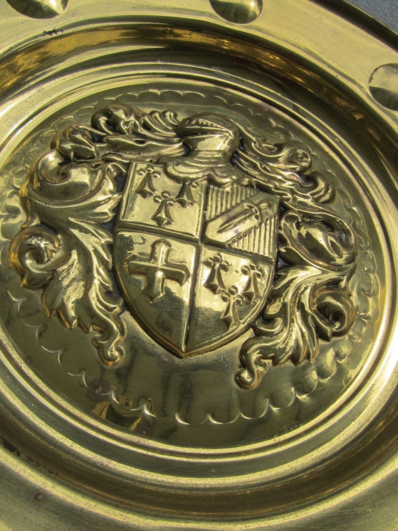 Porthole Style Knight and Coat of Arms Wall Plate - Peerage Brass of England