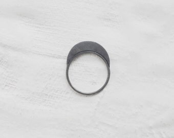 Minimal quarter moon ring // geometric ring // GM036