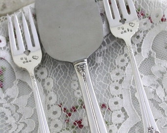 Mr. & Mrs. Forks Cake Server 3 Piece WEDDING Silverware Set Stamped Forks Cake Table Setting Engagement Gift Wedding Decor - PLANTATION 1948