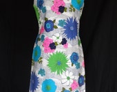 1960s Dress / MOD Daisy Op art Mini Gogo Shift Scooter Dress / John Abbott