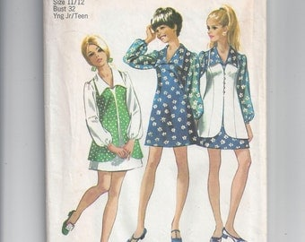 Simplicity 8710 Pattern for Young Junior or Teen Mini Dress and Vest, Size 11/12, From 1970, Vintage Pattern, Home Sewing Pattern, 1970s