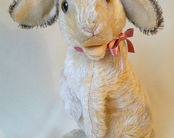 Large Steiff Rabbit Manni, 1961 to 1967, vintage mohair begging Easter bunny, swivel head, 11,5 inches tall, glass eyes, excellent condition