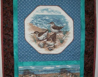 Nautical wall hanging - Birds at the beach quilt - Lake shore door hanging- Ocean decor - Summer home seaside waterfront decor