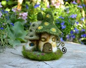 Needle Felted little mushroom house - by Harthicune