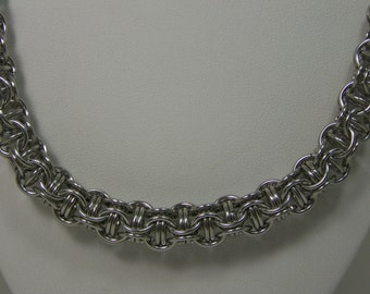 Chainmaille Captured Inverted Round Maille Necklace