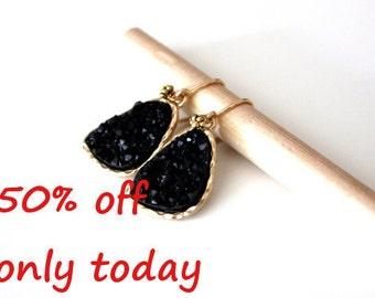 Druzy black earrings - rich color