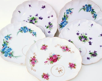 Vintage Dessert Plates, Small Cake Plates, Snack Plate, Shell Plates with Cup Holder - Lot of 5