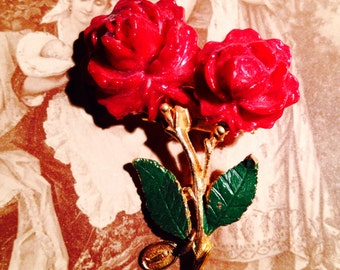 Lovely ROSE MARY BROOCH Vintage Religious