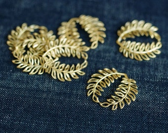 Vintage Fern Circle Connectors - Gold Plated - 6pcs